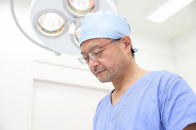 交感神経を部分的に遮断して手汗を解消する手術